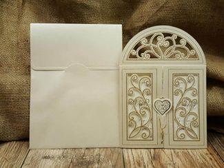 Kapı şeklinde davetiye modeli