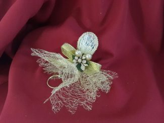 Altın renkli anahtarlıklı nikah şekeri