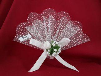beyaz çiçekli nikah şekeri