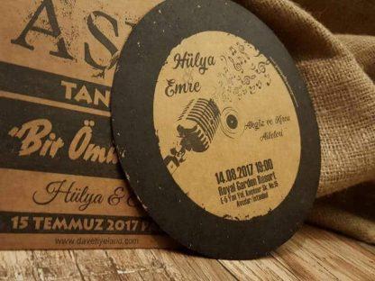 Plak davetiye modeli, kraft zarflı gramofon plağı şeklinde