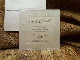 Kare şeklinde sade düğün davetiyesi