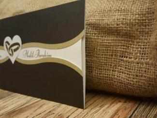 Siyah zarflı alyanslı davetiye