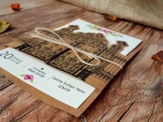 Davetiye, kapı şeklinde düğün davetiyesi
