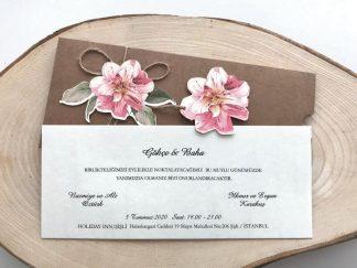 Çiçek Etiketli Kraft Zarflı Davetiye